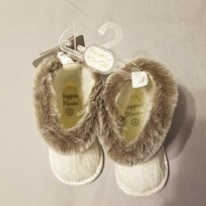Stepping Stones faux fur baby boots NWT